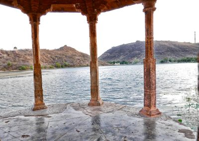 Pillars overlooking lake Bundi