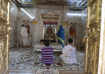 Prayers Sri Dharmanath Shwetambar Jain Temple Bangalore India