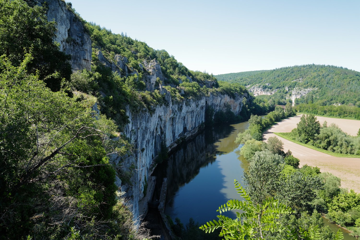 St Cirq Lapopie Lot gorge view